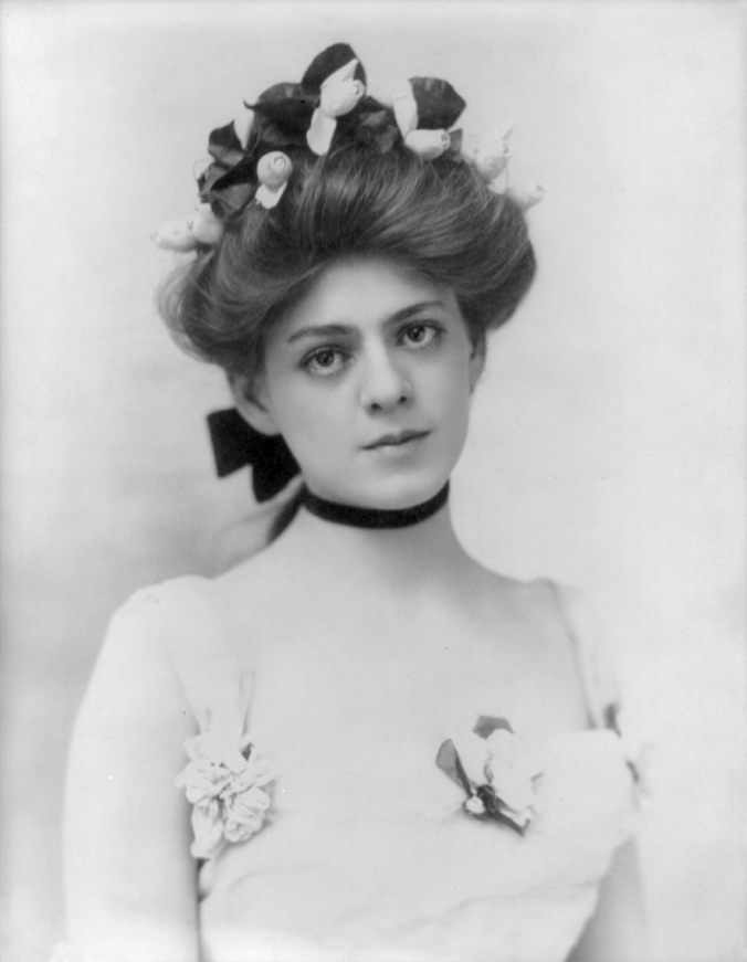 Ethel_Barrymore_by_Burr_McIntosh,_1901